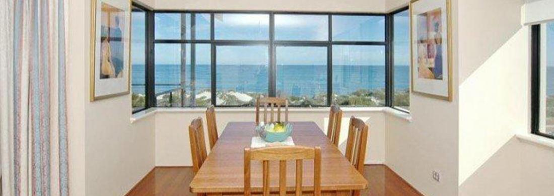 Simply_Heaven_Holiday_Accommodation_Perth_Bluewaters_Dining_web